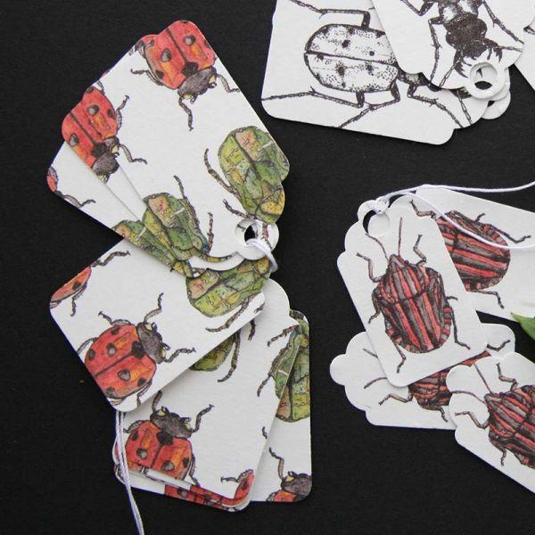Etiquettes cadeaux aléatoires insectes - Taille S - format rétro